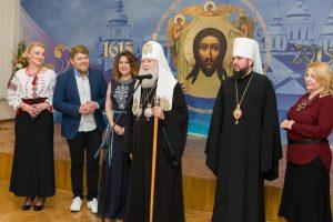 1000 дітей отримали подарунки в день святого Миколая
