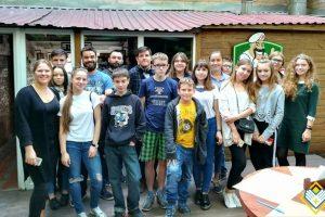 Бізнес-ланч підлітків TeenClub із підприємцями Pizza Veterano
