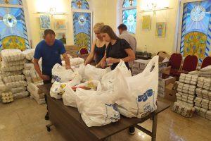 В Одесі роздали 400 продуктових наборів малозабезпеченим